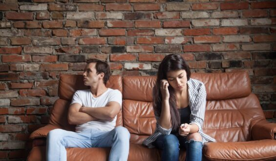 Most common Red Flags in a Relationship which should not be ignored